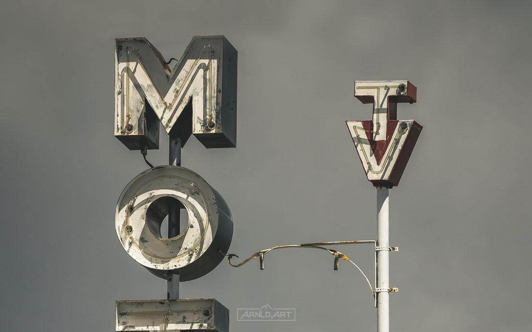 Mtl-Dsrt-nn-TV_thumb